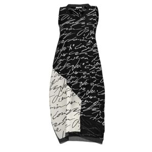Luukaa Kleid schwarz weiße Schrift Vorne 21Y504